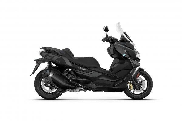 P90412899-bmw-c-400-gt-style-triple-black-blackstorm-metallic-02-2021-2121px (1)