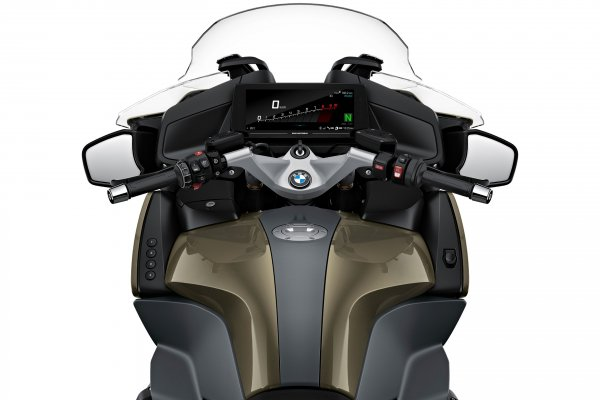 P90402249_highRes_the-new-bmw-r-1250-r