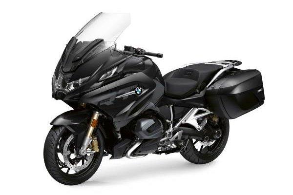 P90426989-bmw-r-1250-rt-black-storm-met-2-style-triple-black-06-2021-600px